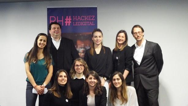 De gauche à droite : Samira Dahmani, François Geuze, Eva Ramos, Audrey Le Bris, Julie Conrard, Alizée Baron, Aurore Potel, Léa Blondot et Michel Barabel